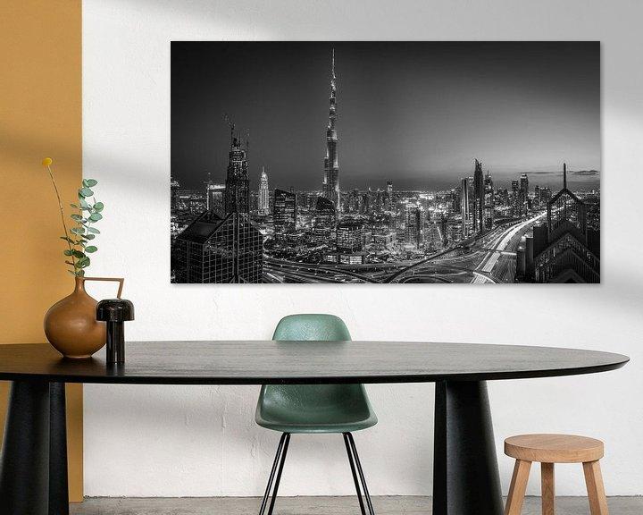Sfeerimpressie: De Dubai Skyline (Black & White) van Dennis Wierenga