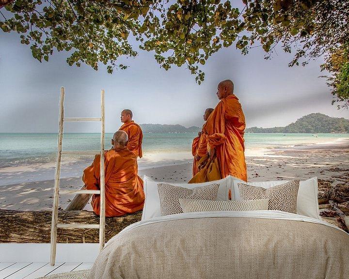 Sfeerimpressie behang: Monks at the Beach on Koh Phayam van Levent Weber