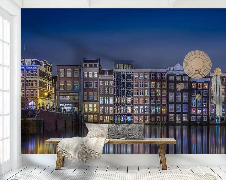 Sfeerimpressie behang: Damrak Amsterdam @ Night van Martin Bredewold