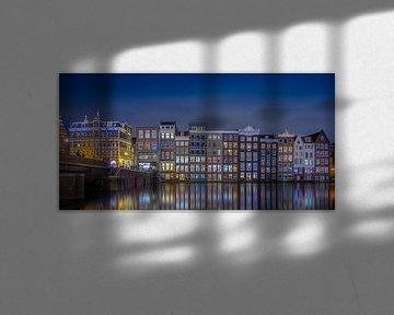Damrak Amsterdam @ Night van Martin Bredewold