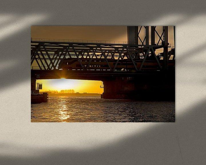 Sfeerimpressie: Zonsondergang Hefbrug Dordrecht van Anton de Zeeuw