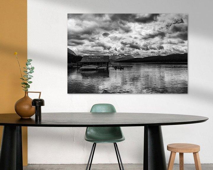 Sfeerimpressie: Maligne Lake Boat House van Ilya Korzelius
