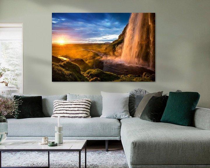 Sfeerimpressie: Seljalandsfoss waterval in IJsland van Yvette Baur