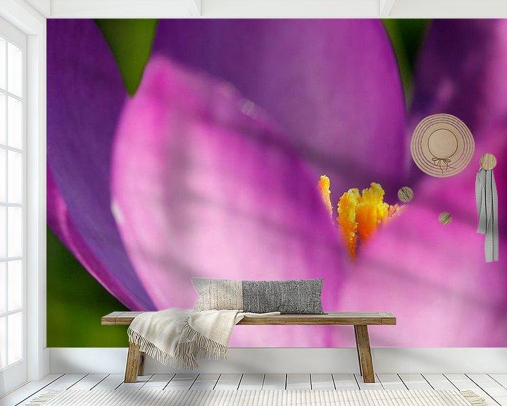 Sfeerimpressie behang: Paarse krokus van Jesse de Boom