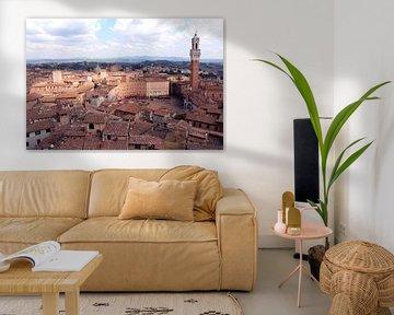 Uitzicht op Siena Piazza del Campo italië  van Nannie van der Wal
