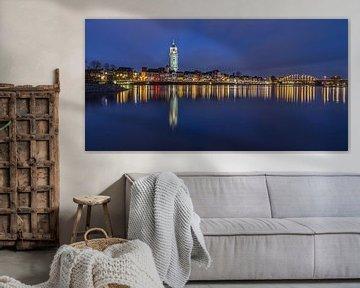 Deventer Skyline met Lebuïnuskerk in het blauwe uurtje - 2 van Tux Photography