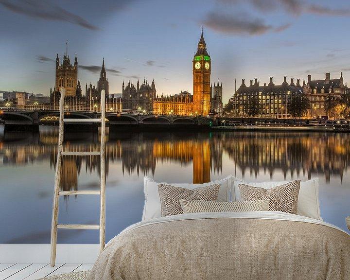 Sfeerimpressie behang: Houses of Parliament en de Big Ben in London van Bert Buijsrogge