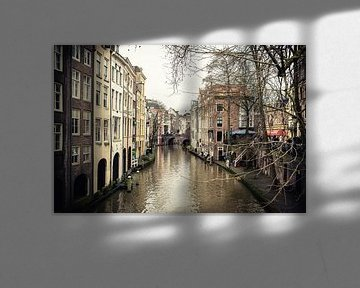 Oudegracht in Utrecht en de Maartsensbrug gezien vanaf de Gaardbrug