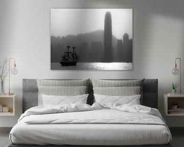 Hong Kong Skyline schwarz weiß von Albert Dros