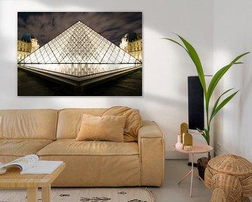 Piramide du Louvre sur Björn Massuger