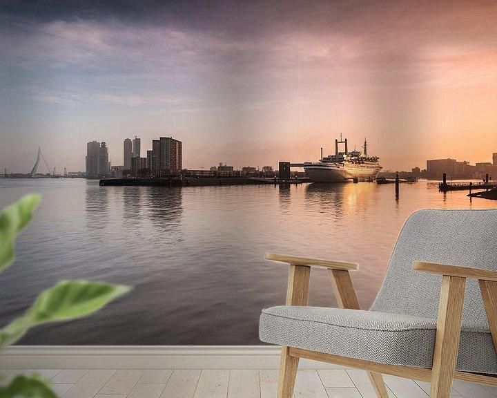 Sfeerimpressie behang: Zonsopkomst bij de SS Rotterdam van Ilya Korzelius