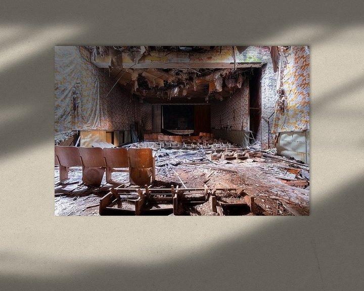 Beispiel: Die Show ist vorbei – verfallener Kinosaal, Deutschland. von Roman Robroek