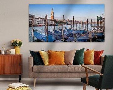 VENICE Grand Canal and Goldolas | panoramic view van Melanie Viola