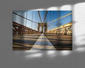 Quiet on the Brooklyn Bridge van Fabian Bosman