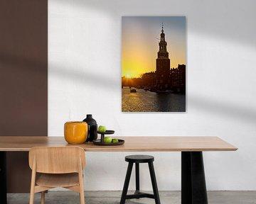 Montelbaanstoren bei Sonnenuntergang in Amsterdam