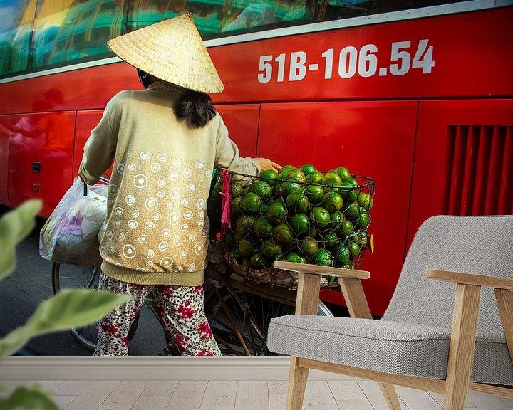 Sfeerimpressie behang: Vietnamese verkoopster van Godelieve Luijk