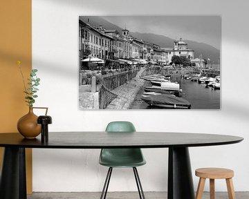 Cannobio - Italiaans dorpsgezicht met haventje van Dirk-Jan Steehouwer