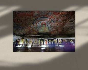 Muurschilderingen in de gouden rotstempel van Dambulla van Antwan Janssen