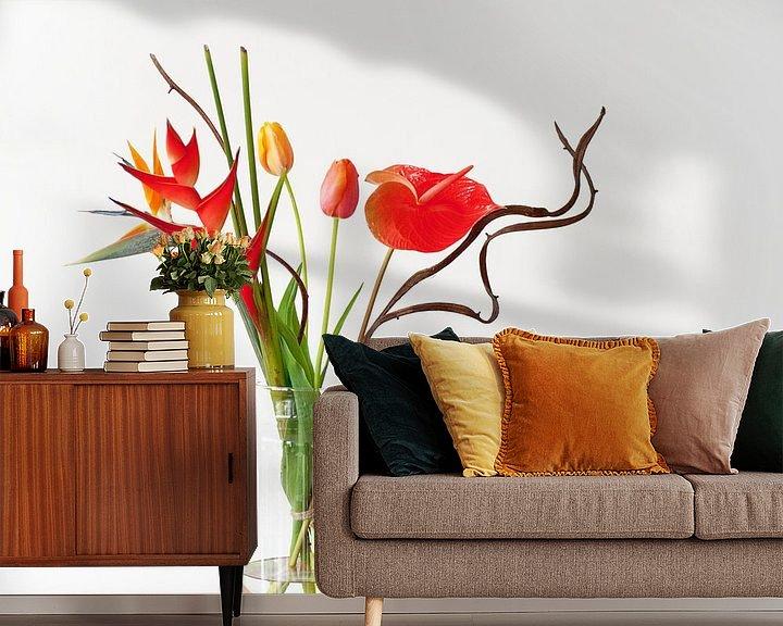 Sfeerimpressie behang: Oranje Bloemen van Wendy Bos