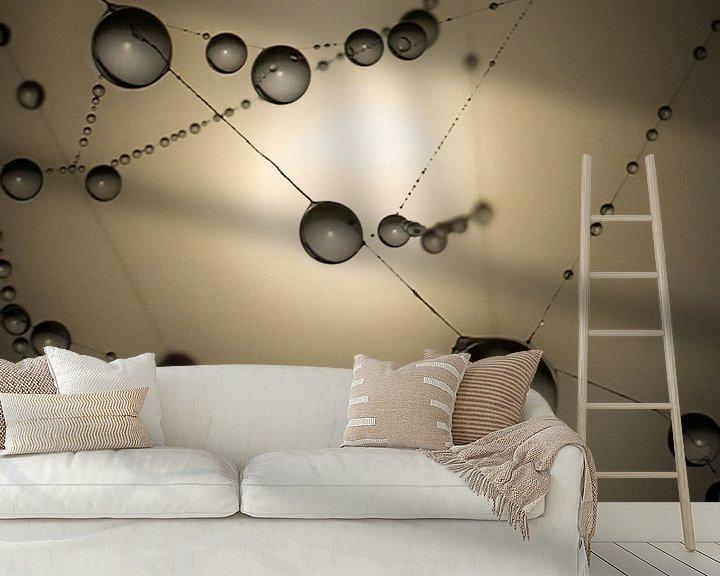 Sfeerimpressie behang: Spinnenweb druppels van Ruud Peters