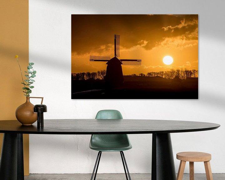 Sfeerimpressie: Zonsopgang met windmolen in de polder van Arjen Schippers