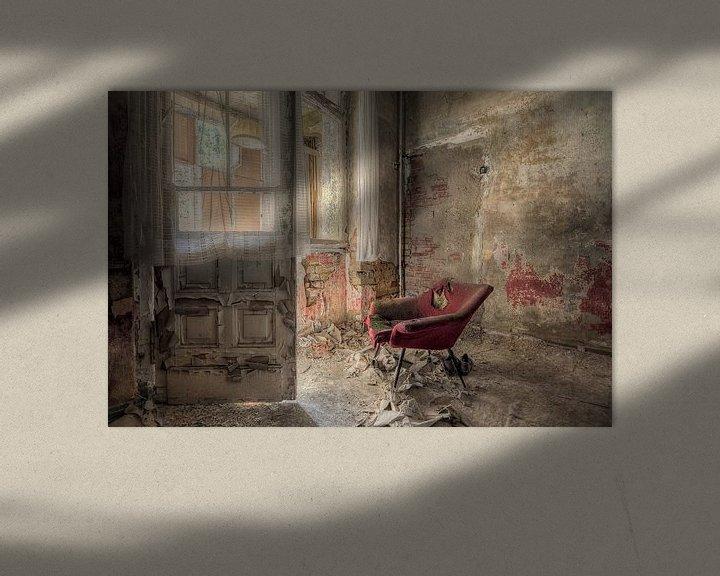 Beispiel: Lost Place - roter Sessel von Carina Buchspies
