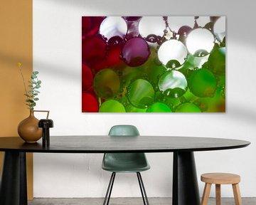 Gekleurde rietjes met waterdruppels von Mark Scheper