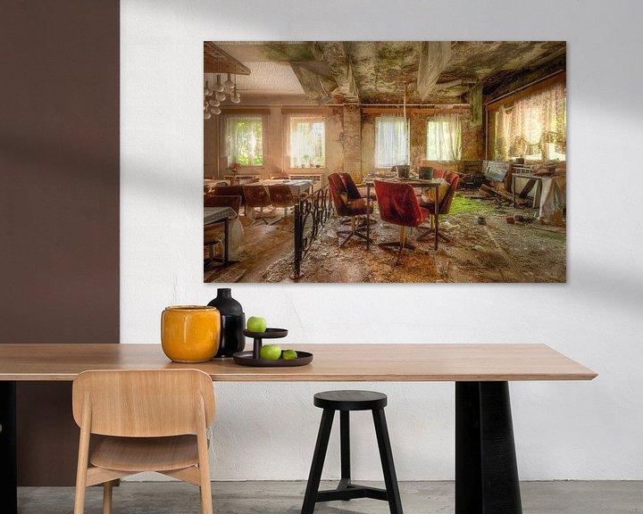 Beispiel: Verlassener Speisesaal im Verfall. von Roman Robroek