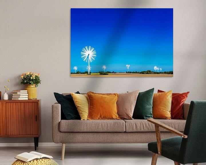 Sfeerimpressie: Veld met windmolens als bloemen van Maerten Prins