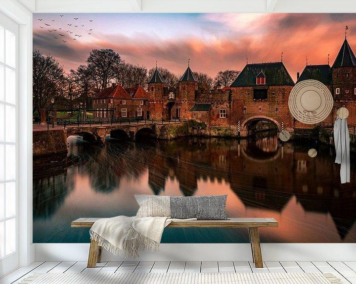 Sfeerimpressie behang: Koppelpoort Sunset Amersfoort van Michael van der Burg