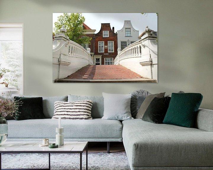 Sfeerimpressie: Old Dutch street in Delft van Fleur Halkema