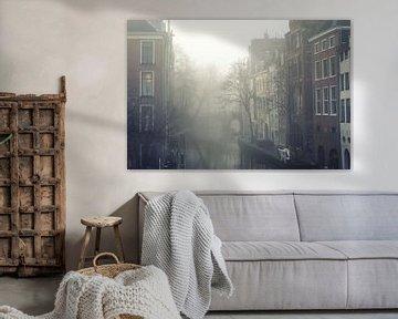 Mist boven de Oudegracht in Utrecht (2) van De Utrechtse Grachten