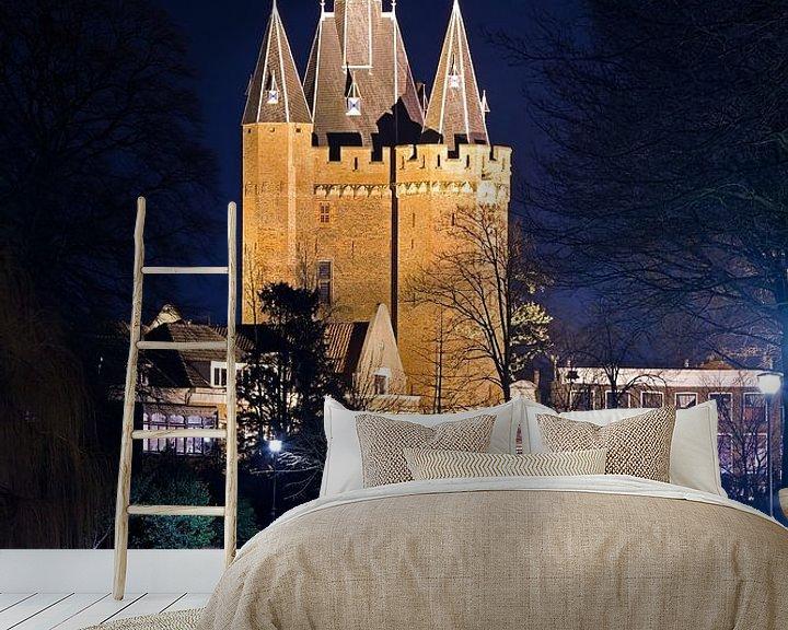 Sfeerimpressie behang: Sassenpoort te Zwolle van Anton de Zeeuw