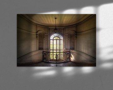 Treppenhaus im Verlassenen Schloss. von Roman Robroek