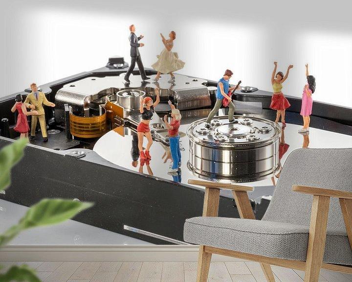 Sfeerimpressie behang: dansfeest in een harddisk van Compuinfoto .