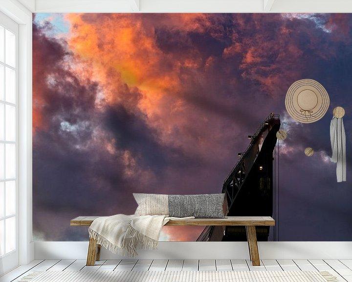 Sfeerimpressie behang: Kraanschip Thialf in de wolken te Rotterdam van Anton de Zeeuw