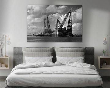 Les navires grue Thialf et Balder Rotterdam