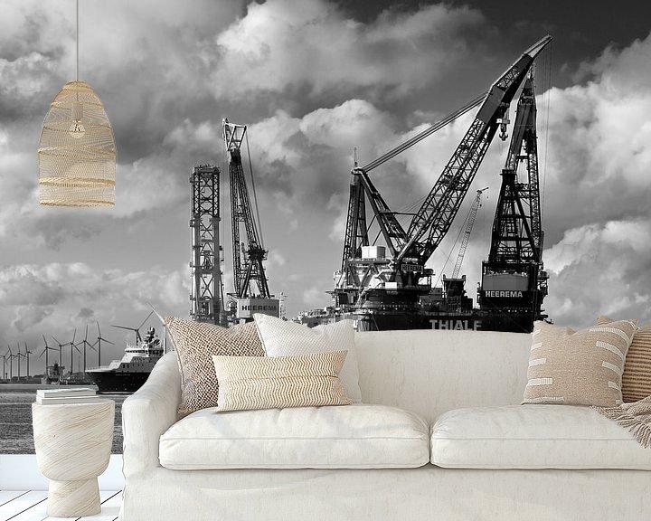 Sfeerimpressie behang: Kraanschepen Thialf en Balder te Rotterdam van Anton de Zeeuw