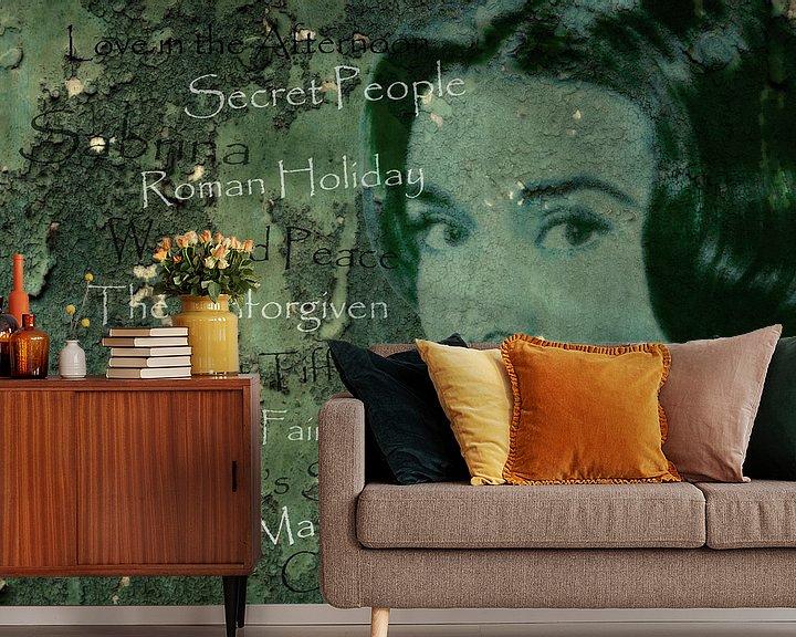 Sfeerimpressie behang: Legenden - Audrey Hephurn van Christine Nöhmeier