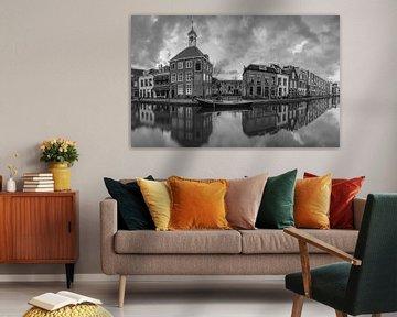 Schiedam panorama in zwartwit van Ilya Korzelius