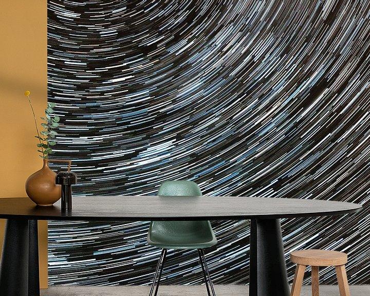 Sfeerimpressie behang: Startrail van Ben van Sambeek