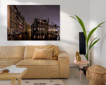 Oudezijds Kolk Amsterdam by Night van Mario Calma