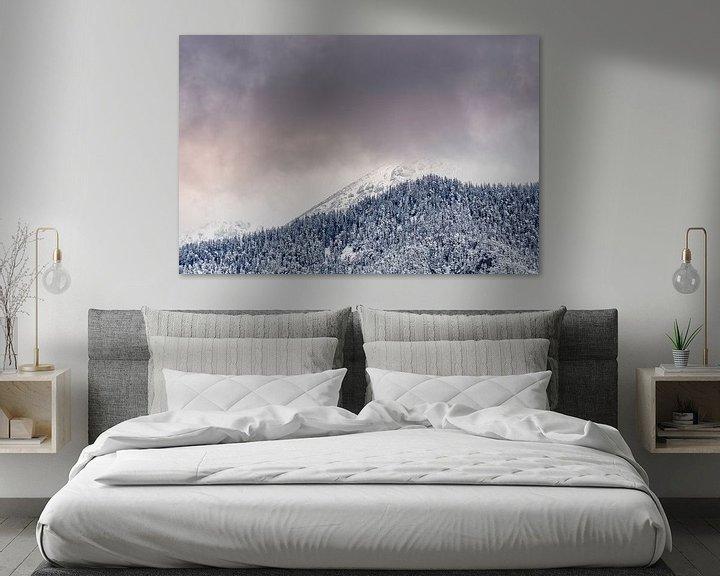 Sfeerimpressie: Bergtoppen in de Wolken in Oostenrijk van Martijn van der Nat