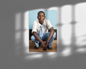 Un élève de l'enseignement secondaire en Tanzanie sur Jeroen Middelbeek