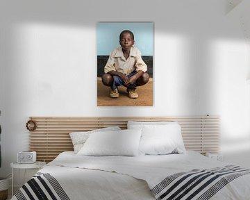 Un élève de l'école primaire en Tanzanie sur Jeroen Middelbeek