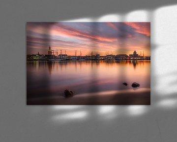 Skyline Kampen met mooie zonsondergang van Edwin Mooijaart