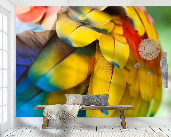 Sfeerimpressie behang: Geelvleugel Ara van Dennis Van Den Elzen