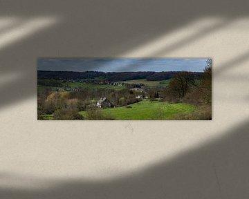 Zuid Limburgs voorjaarslandschap  van Teun Ruijters