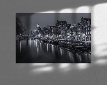 Singel in Amsterdam in de avond in zwart-wit - 3 van Tux Photography