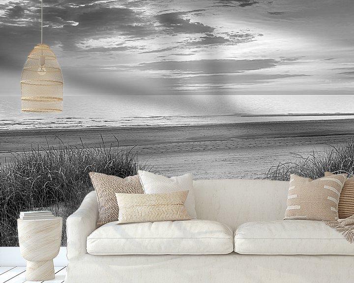 Sfeerimpressie behang: Voetstappen naar strand van Fotografie Egmond